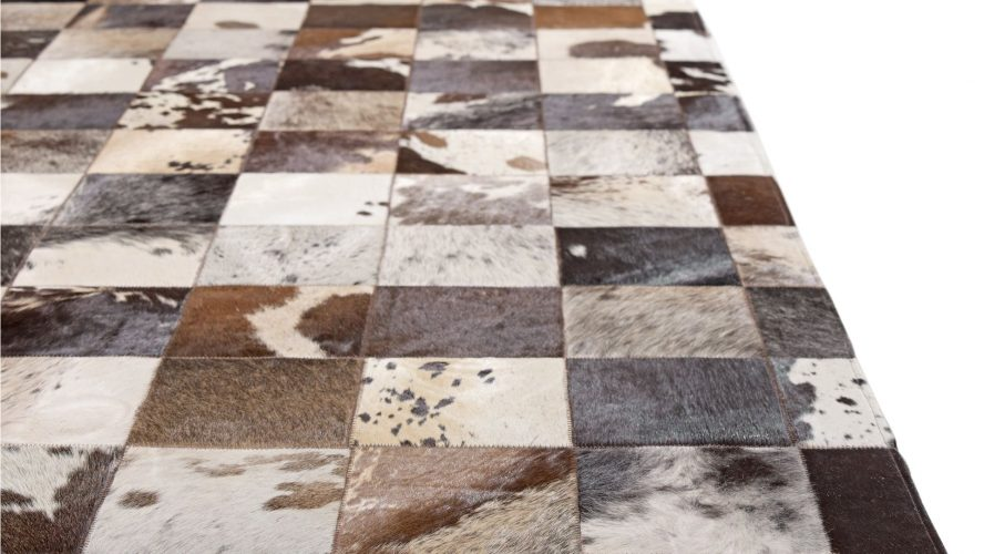 Factors to Keep in Mind while Buying Cowhide Rugs today