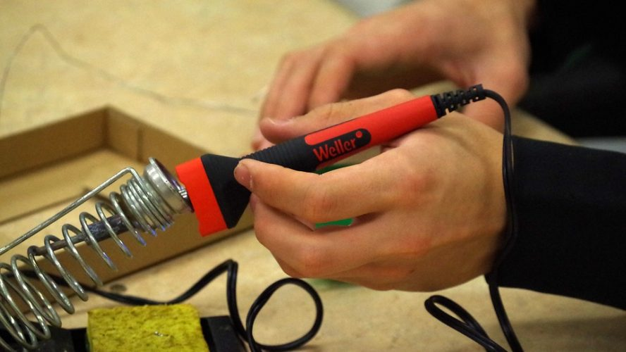 Electrical Services: Important things to consider before taking the Professional Help!!!