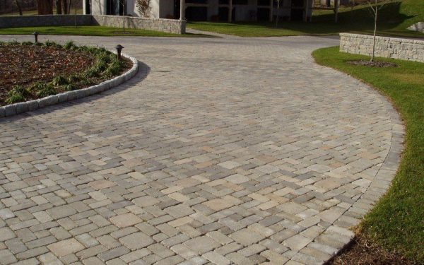 All The Reasons Why Paving Stones Work Better For Driveways